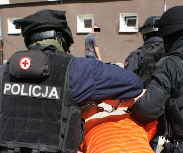f3be9ed32b126d Policjanci z Elbląga zapraszają do wstąpienia w swe szeregi. Aktualnie jest  13 wolnych etatów policyjnych. Dla tych, którzy posiadają predyspozycję i  chcą ...